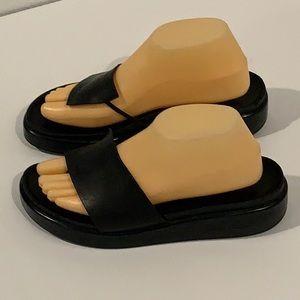 Authentic Donald J Pliner black leather sandals 9